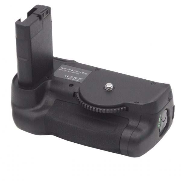 DynaSun 5500 Impugnatura Battery Grip Professionale per Nikon D5500 + Cavo